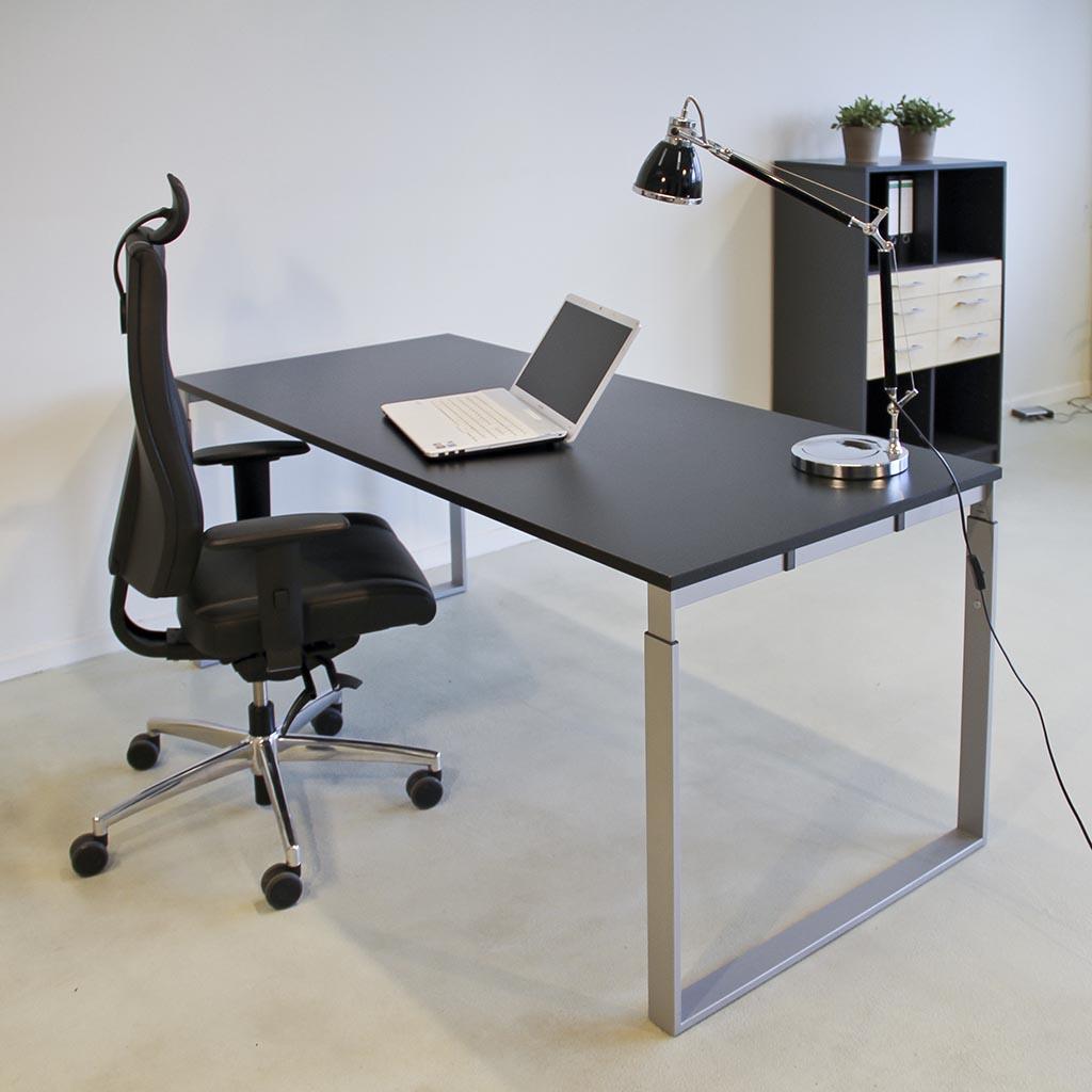 Frame højdejusterbart skrivebord - med alu stel