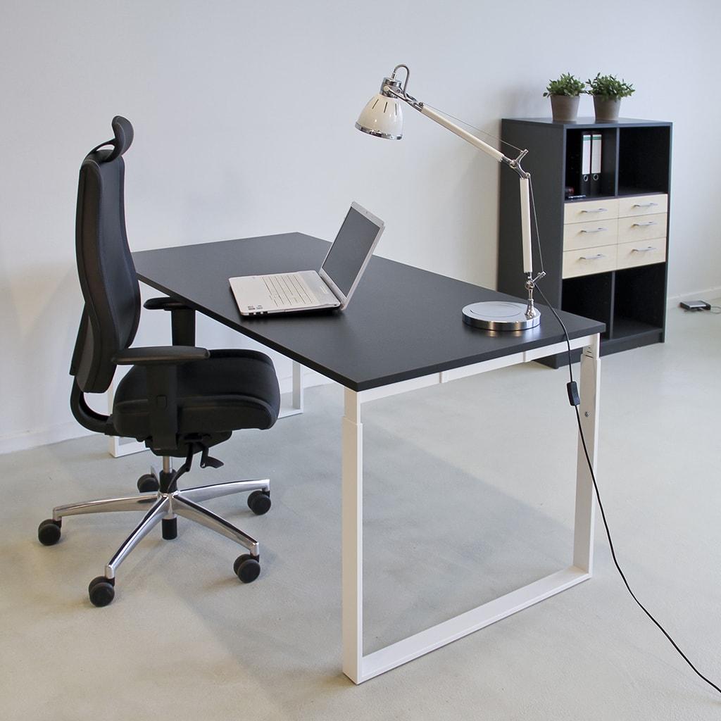 Frame højdejusterbart skrivebord med hvidt stel