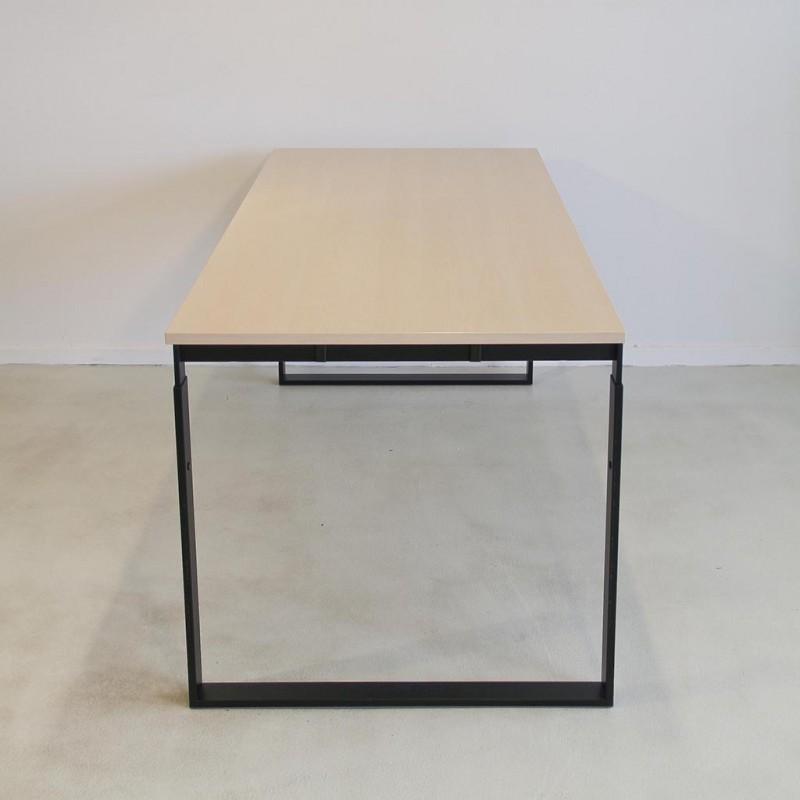 frame-hoejdejusterbart-skrivebord