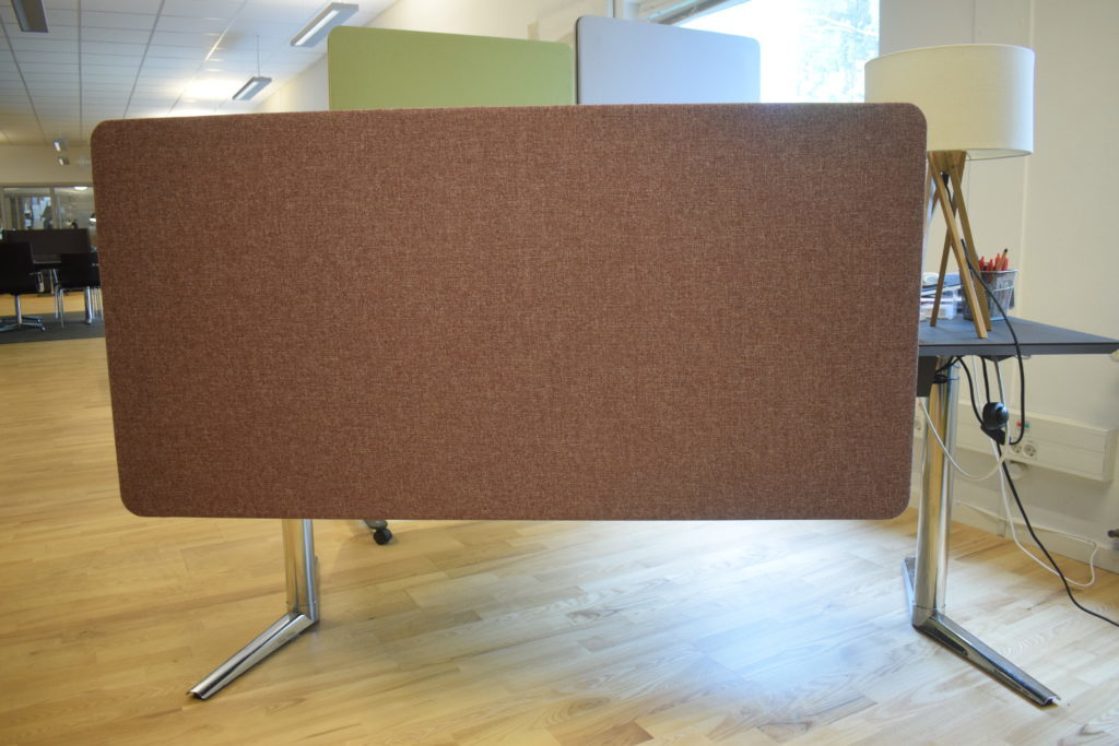 UDSALG - Lintex Frontmonteret Skrivebordskærm - 70*140 cm. Cara Lossie stof