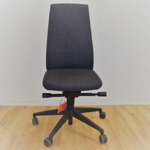 Interstuhl GOAL kontorstol gråt stof og høj ryg - Udstillingsmodel.