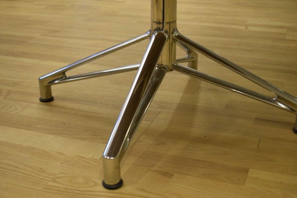 Interstuhl mødebord - 6 personer - Ø 130 cm. Udstillingsmodel