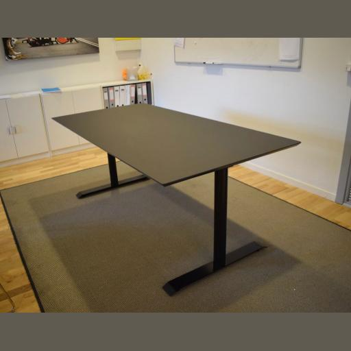 Jazz mødebord - 6 - 8 personer. Udstillingsmodel