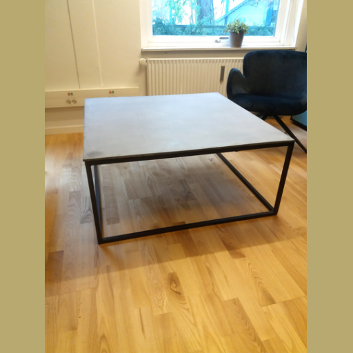 Sofabord - betonplade/sort stel udstillingsmodel